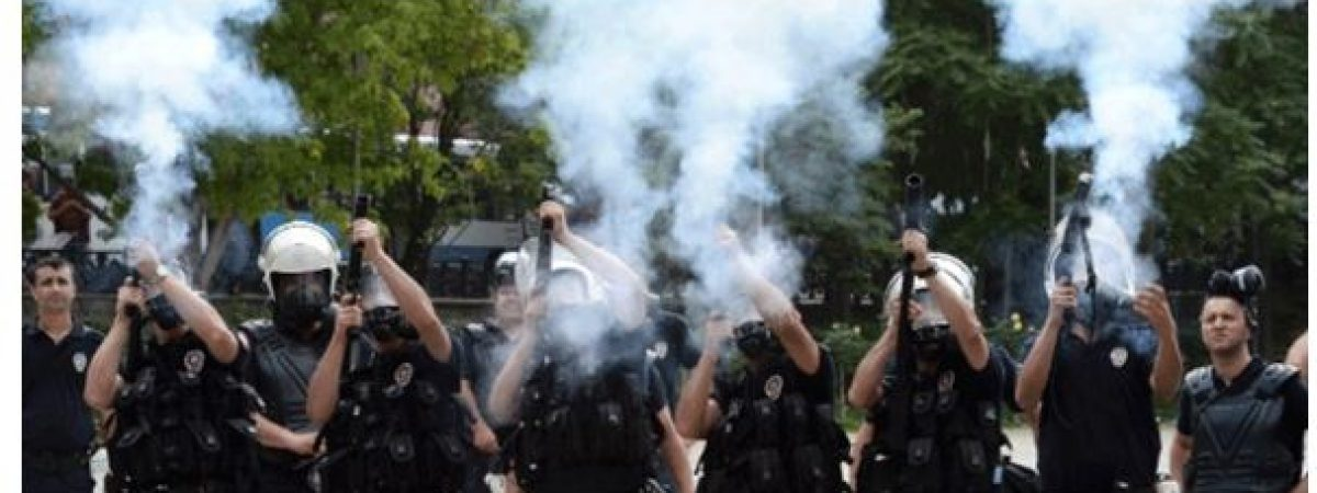 Совети за безбедност на ИФЈ при известување од демонстрации и граѓански немири