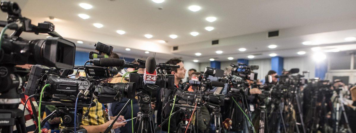 Зошто новинарите бегаат од професијата?