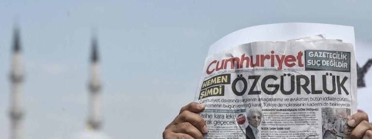 Турскиот суд ослободи неколку затворени новинари