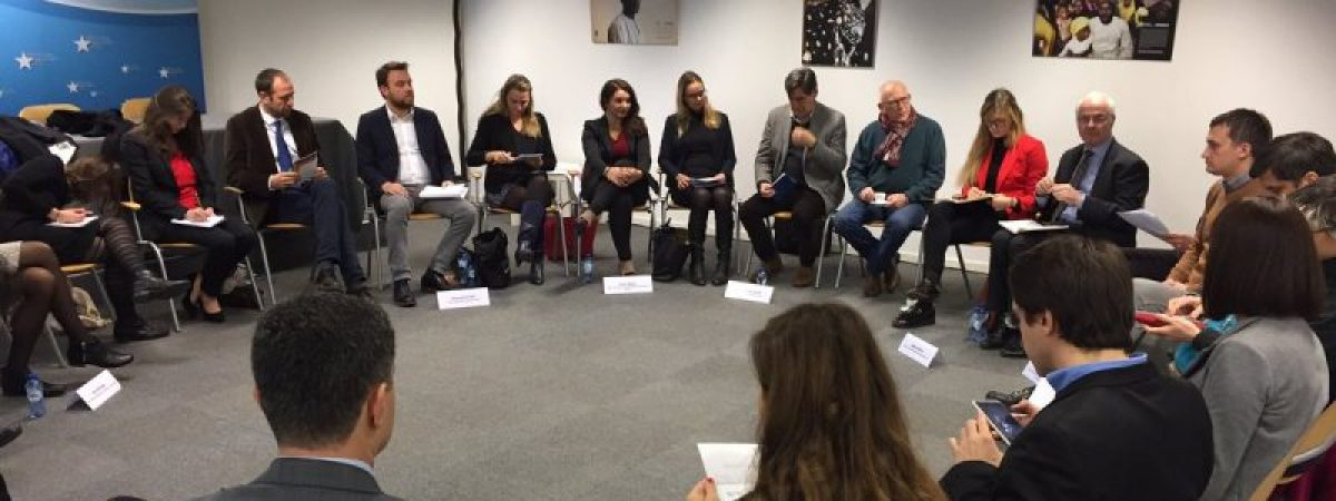 Ниските и задоцнети плати заеднички проблем на новинарите