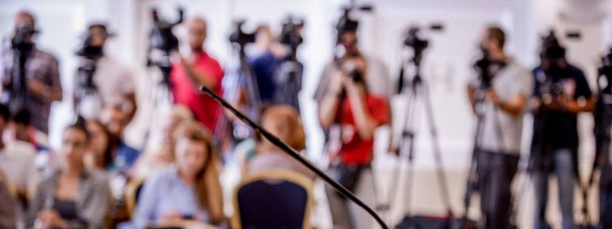 ССНМ бара Владата да обезбеди заштитна опрема за редакциите