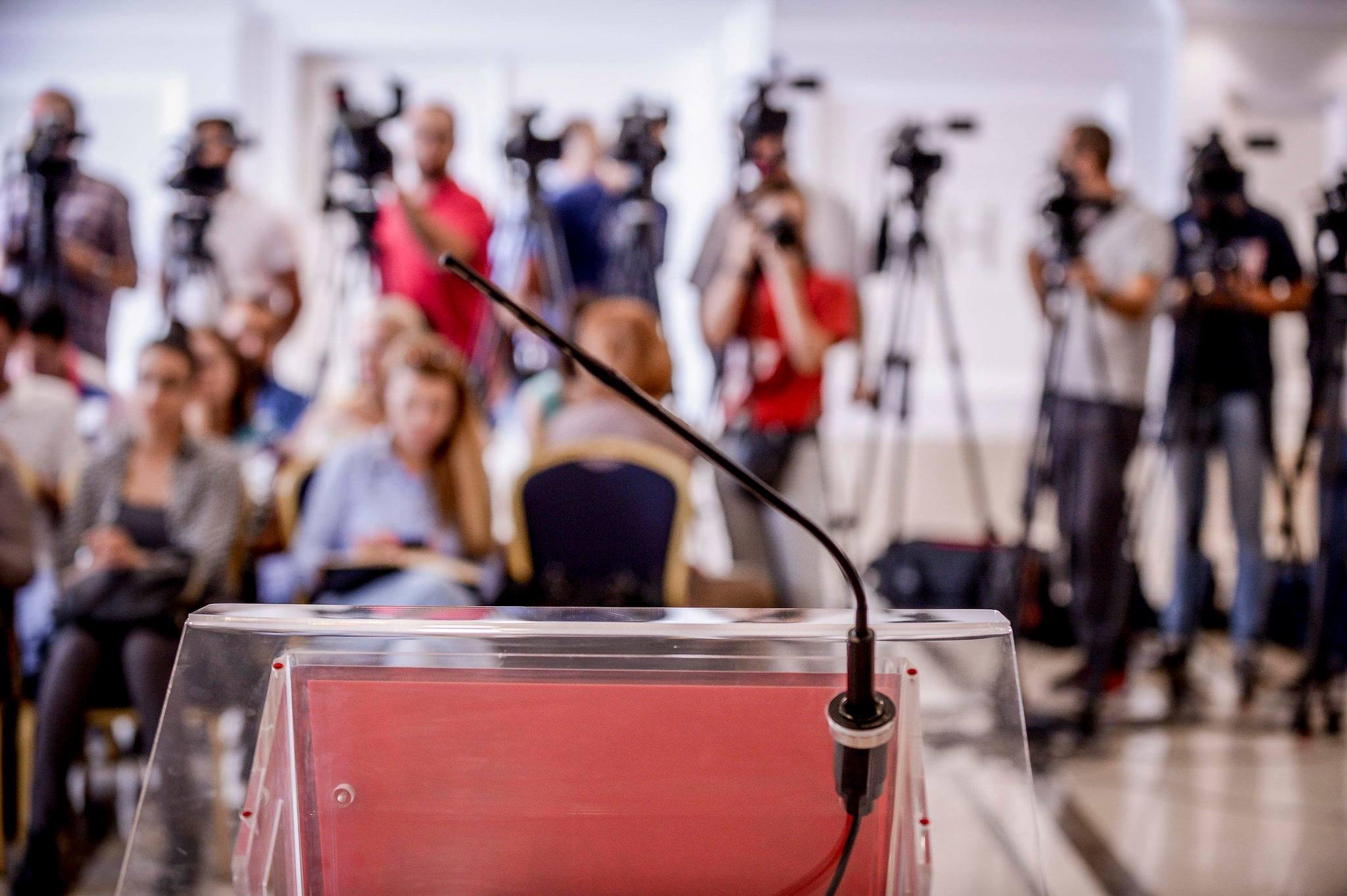 Платите на новинарите во дигиталните медиуми под просекот