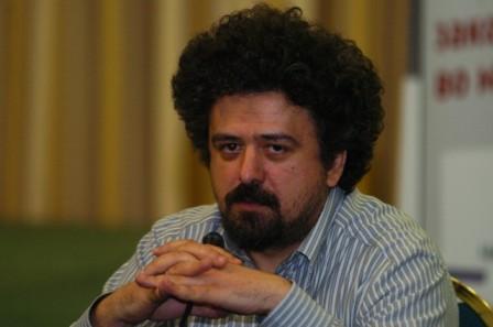 """Повик за номинации: """"Медиум промотер на новинарството како јавно добро – Роберто Беличанец"""""""