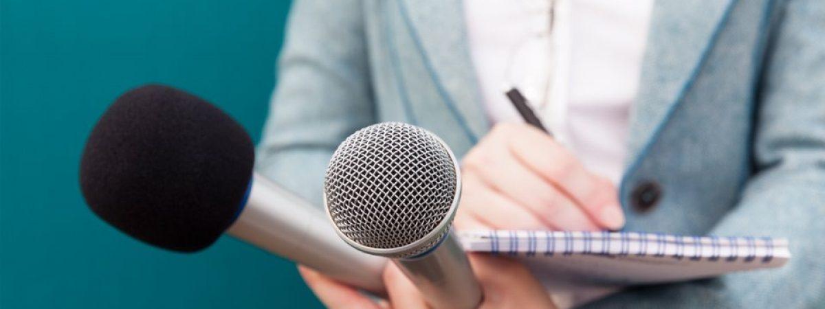 Новинарите и медиумските работници стравуваат од вирусот, но и од губење на работата