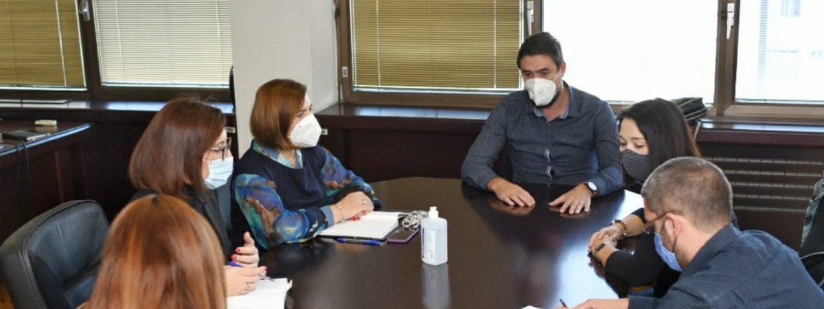 ССНМ на средба со министерката за труд и социјала Шахпаска
